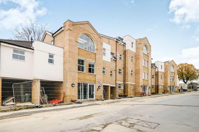 Thumbnail Flat for sale in Station Road, Rushden