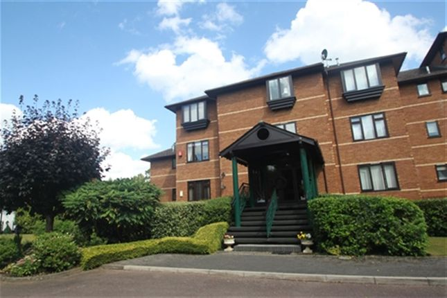 Thumbnail Flat to rent in Horton Grange, Ray Mead Road, Maidenhead, Berkshire