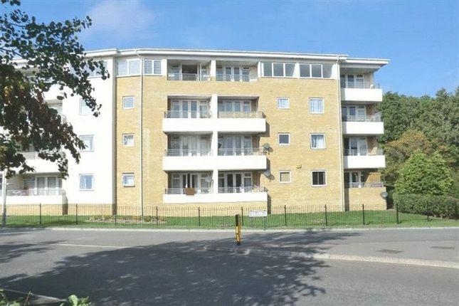 2 bed flat to rent in Arbour Court, Fareham, Hampshire PO15