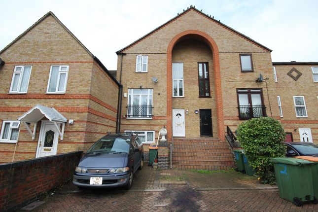 Thumbnail Terraced house for sale in Garnet Walk, Beckton