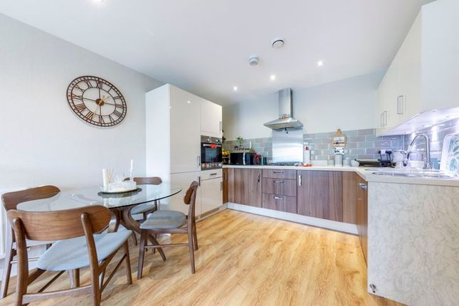 Thumbnail Flat for sale in Cromie Close, London