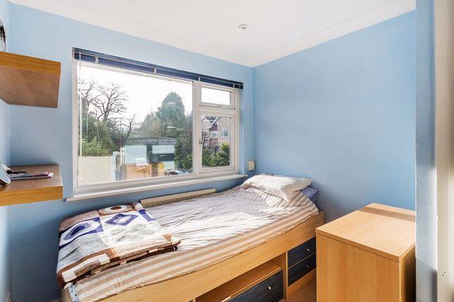 Bedroom of The Cedars, Reigate RH2