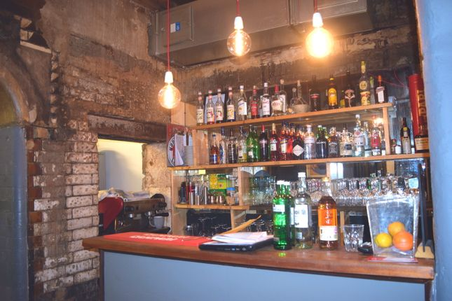 Thumbnail Restaurant/cafe for sale in Goswell Road, London