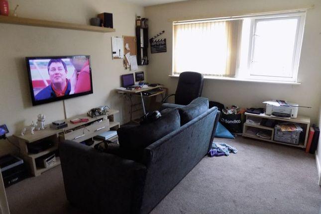 Lounge of Brookfield Road, Bradford BD3