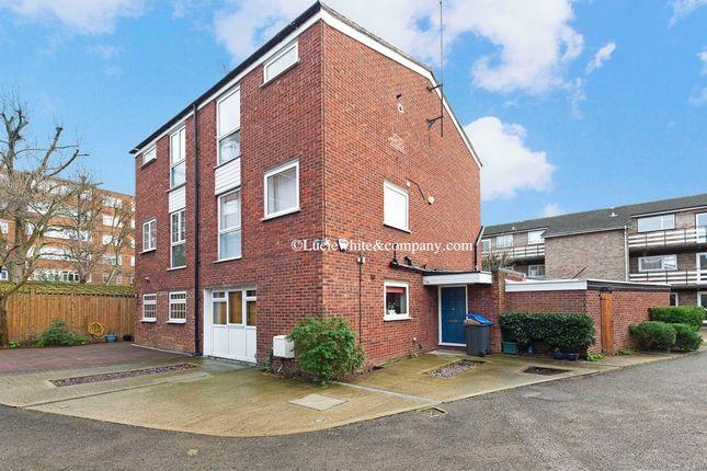 Thumbnail Room to rent in Carlisle Close, Norbiton, Kingston Upon Thames