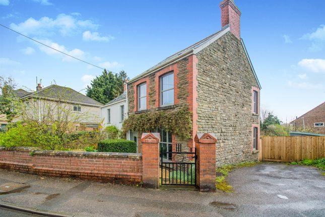 Thumbnail Detached house for sale in Dobbins Road, Barry