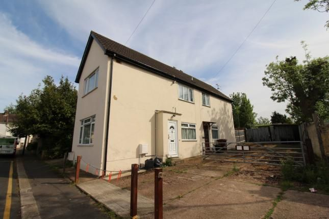 Thumbnail Flat to rent in Cross Street, Gillingham