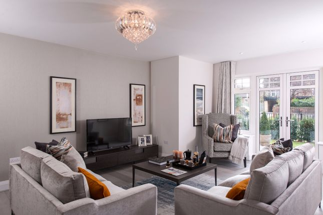 Thumbnail Flat for sale in Elva Lodge, Castle Hill, Maidenhead