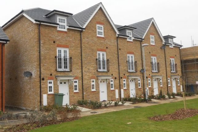 Terraced house to rent in Westview Close, Peacehaven