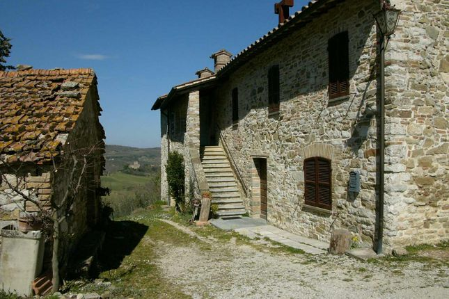Farmhouse for sale in Monte Acuto, Umbertide, Perugia, Umbria, Italy
