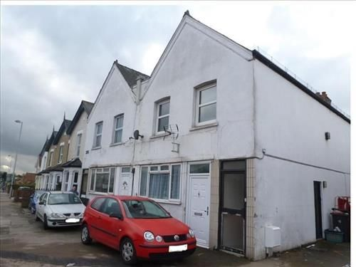 Thumbnail Detached house to rent in Hook Road, Chessington
