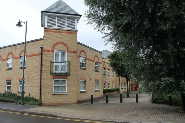 Thumbnail Flat for sale in Harston Drive, Enfield