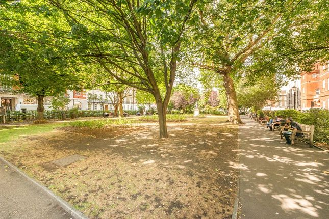 Picture No. 06 of Queen Court, Queen Square, Bloomsbury, London WC1N