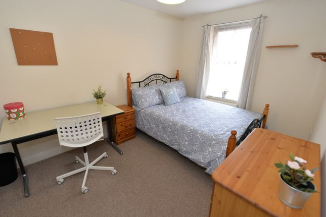 Thumbnail Terraced house for sale in St Mary's Street, Southampton