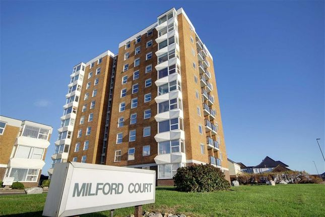 2 bed flat for sale in Brighton Road, Lancing