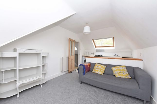 Thumbnail Flat to rent in Buckleigh Road, London