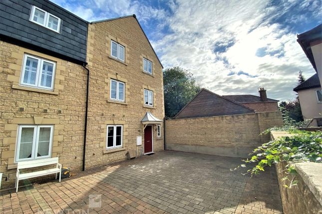 Thumbnail Town house for sale in Woodbridge Mews, Stamford