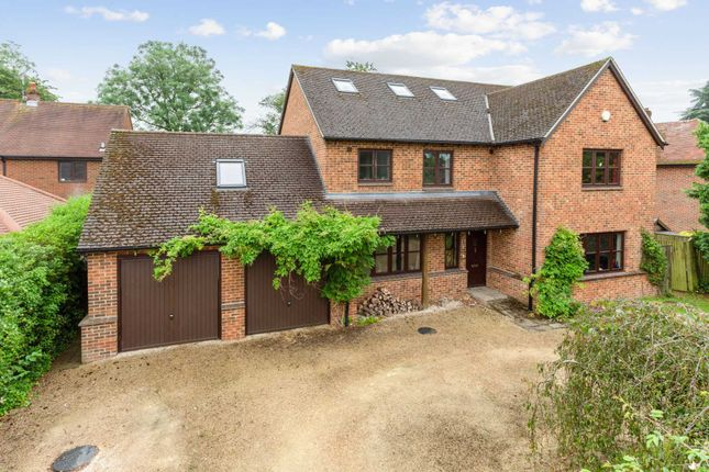 Thumbnail Detached house for sale in Coldharbour Close, Henley On Thames