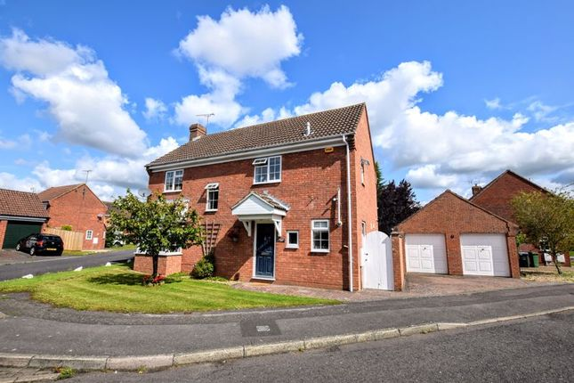 Thumbnail Detached house for sale in Messenger Close, Aylesbury