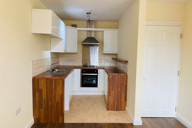 Thumbnail Flat to rent in Wyldecrest Lodge, Manor Road, Kiveton Park