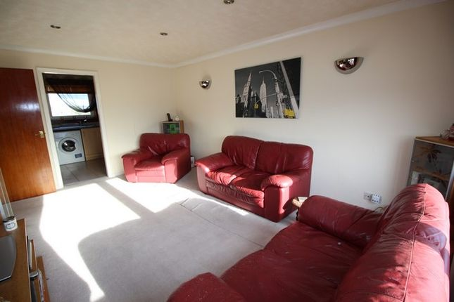 Picture3 of 45 Union Road, Grangemouth FK3
