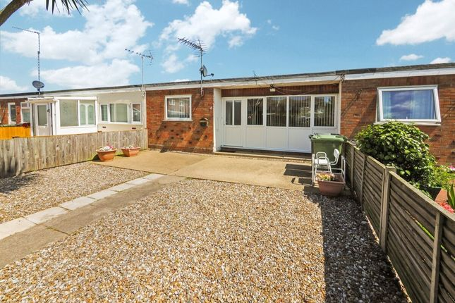 Thumbnail Bungalow to rent in Bishops Walk, Hopton, Great Yarmouth