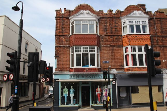 2 bed town house to rent in High Street, Dorking RH4