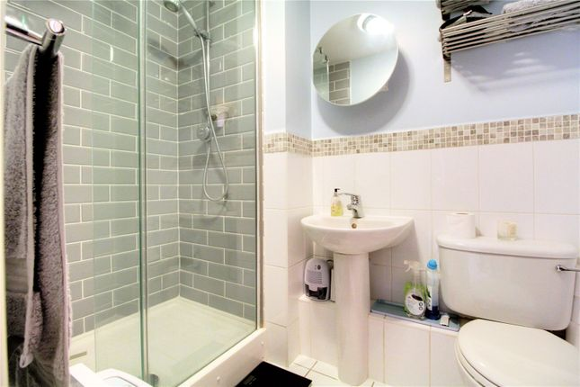 Picture No. 13 of Platinum Apartments, Silver Street, Reading, Berkshire RG1