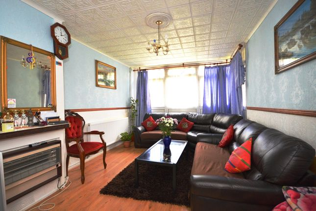 Thumbnail Property for sale in Brockmer House, Crowder Street, Shadwell