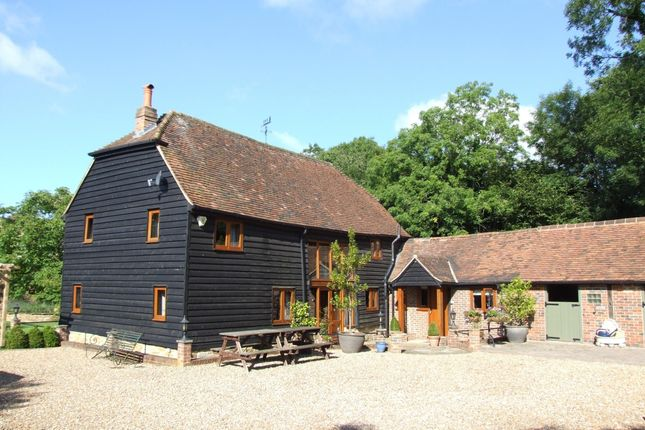 Thumbnail Barn conversion to rent in Kerves Lane, Horsham