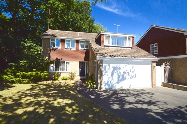 Thumbnail Detached house for sale in Grattons Drive, Pound Hill