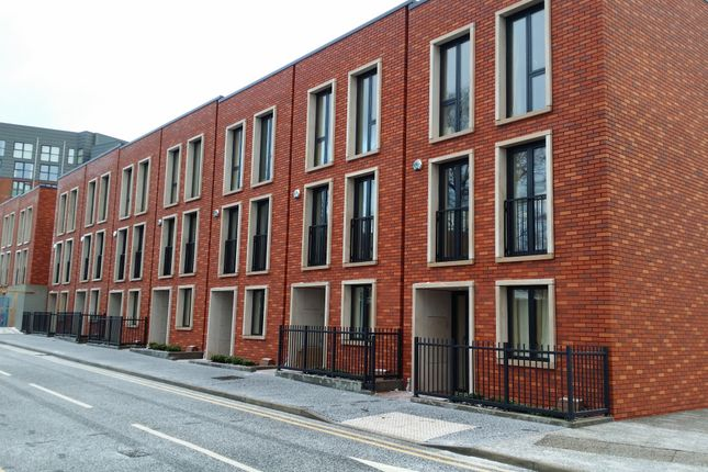 Thumbnail Town house to rent in Vimto Gardens, Chapel Street, Salford