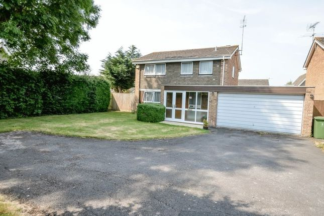Thumbnail Detached house for sale in Fairlawn, Swindon