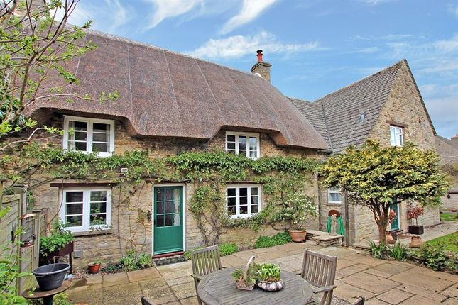 Thumbnail Cottage for sale in Kingston Heights, North Leigh, Witney