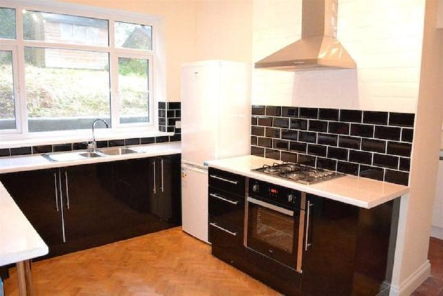 Thumbnail Semi-detached house to rent in Eversley Road, Sketty, Swansea.