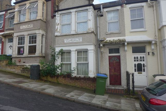Thumbnail Flat to rent in Godfrey Hill, Woolwich