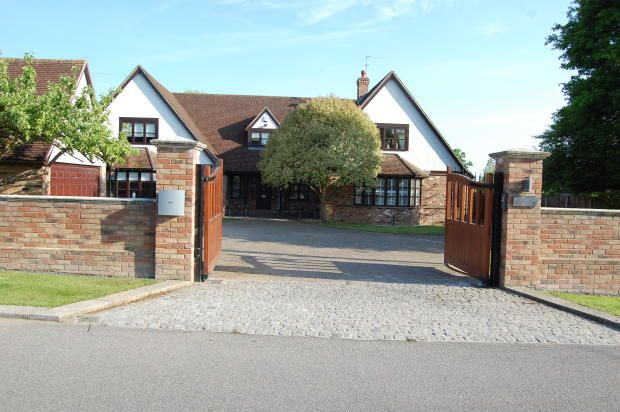5 bed detached house for sale in Glebe Road, Ramsden Heath