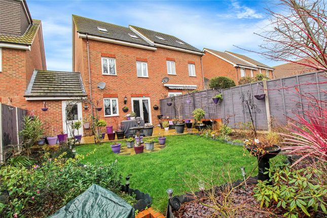 Picture No. 15 of Shelduck Close, Allhallows, Kent ME3