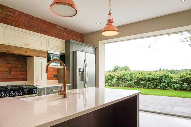 Living Kitchen of Brinsford Lane, Wolverhampton WV10