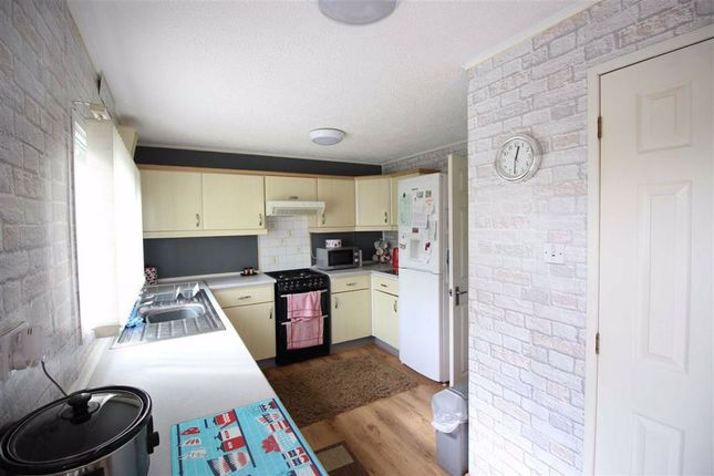 Kitchen of 7, Cedar Court, Valley View Holiday Park, Welshpool, Powys SY21