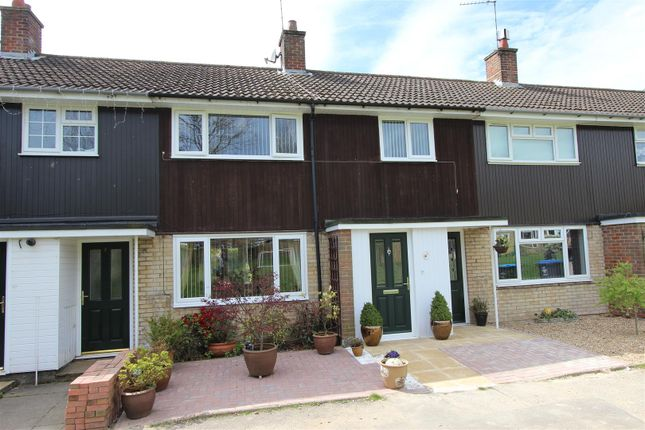 Thumbnail Terraced house to rent in Dellcut Road, Adeyfield, Hemel Hempstead