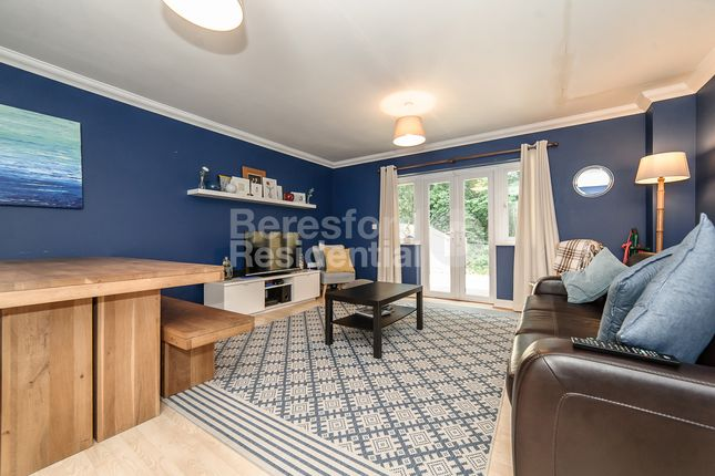 Thumbnail Terraced house to rent in Kings Road, London