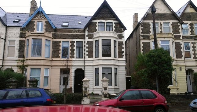 Thumbnail Triplex to rent in Oakfield Street, Roath