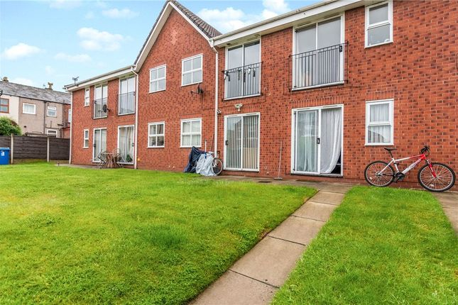 Picture No. 10 of Turnill Drive, Ashton-In-Makerfield, Wigan WN4