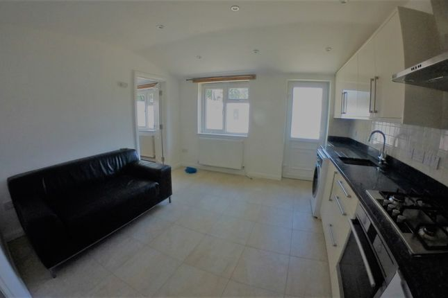 Thumbnail Terraced house to rent in Dylways, Camberwell, London