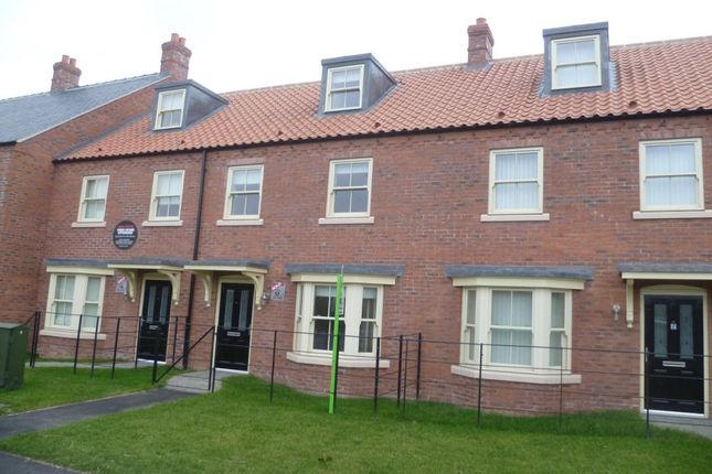 Thumbnail Terraced house for sale in Lincoln Road, Wragby, Market Rasen