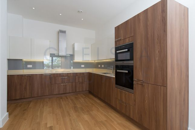 2 bed flat to rent in Finchley Road, Childs Hill