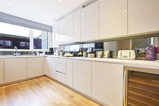 Thumbnail End terrace house for sale in Clapham Road, Stockwell