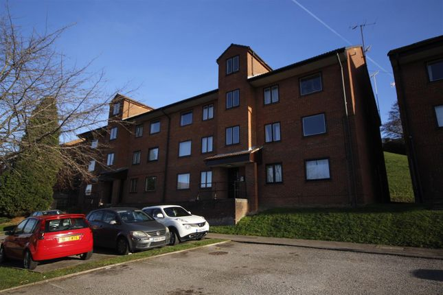 Flat to rent in Tippett Rise, Reading