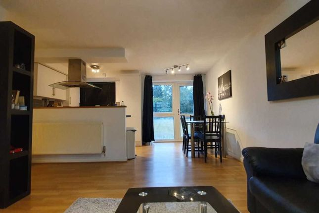 Thumbnail Flat to rent in Compton Road, Hayes
